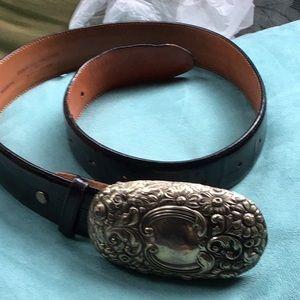 Andrea Barnett leather belt